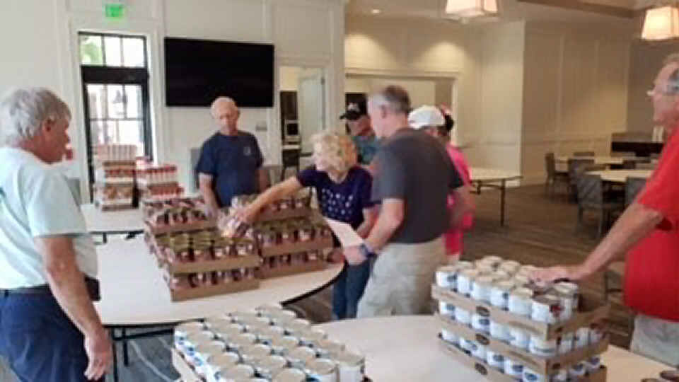 Lakewood Ranch AVMS Operation Thanksgiving 2018 packing party